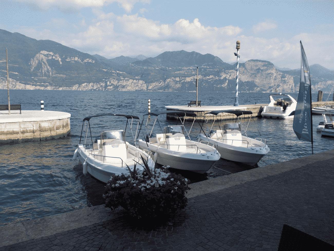 Noleggio barche per cerimonie, eventi e taxi veloci sul Lago di Garda