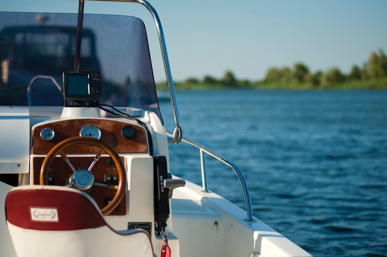 Servizio noleggio barche a motore a Castelletto di Brenzone sul Lago di Garda - Boat rent