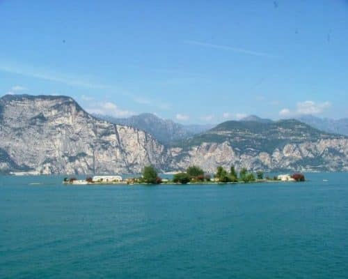 Trimelone Island - Tour on Lake Garda with motor boats - reant boat