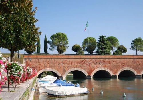 Peschiera - Location on Lake Garda
