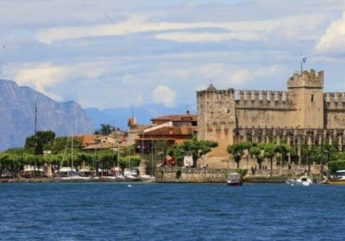 Torri del Benaco - Location on Lake Garda
